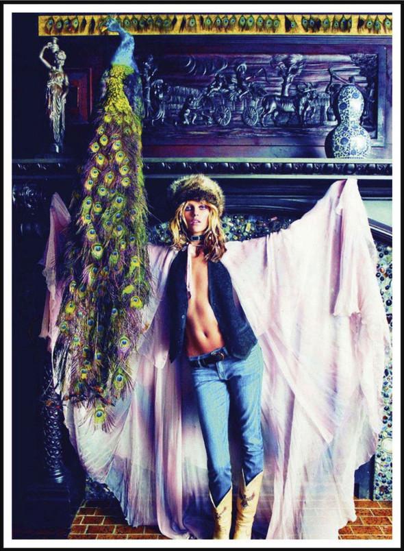 Съёмка: Аня Рубик для Vogue. Изображение № 1.