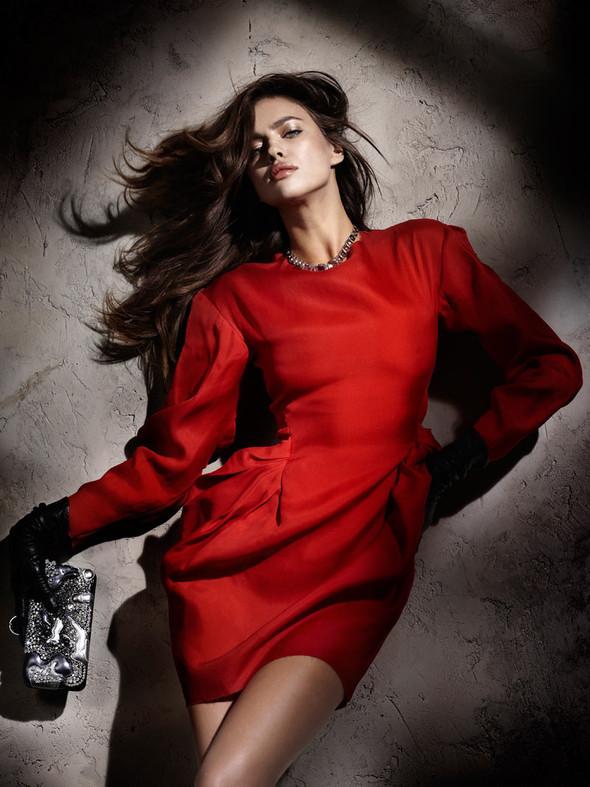 Съемка: Ирина Шейк для Elle Испания. Изображение № 1.