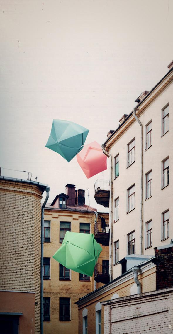 Grape Frogg. Цветные картинки с черно-белым настроением. Изображение № 15.