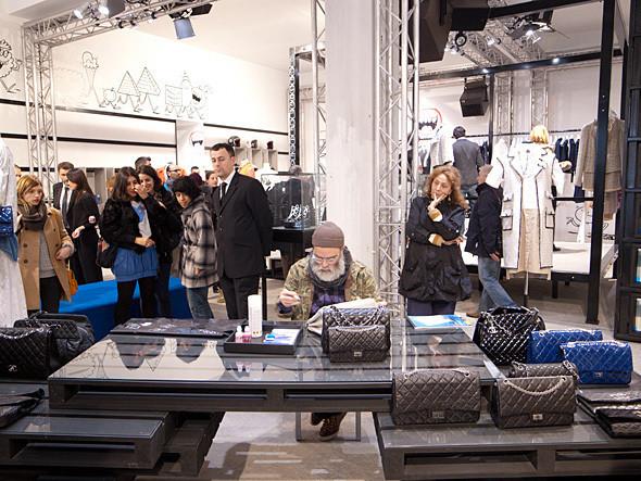 Изображение 3. Поп-ап стор Chanel и Colette открылся в Париже.. Изображение № 2.