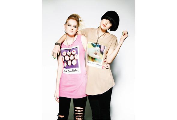 Эмили Дейн придумывает футболки для Uniqlo. Изображение № 1.