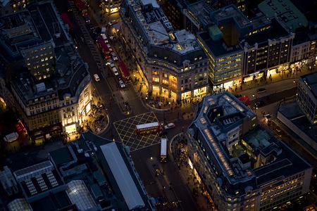 Jason Hawkesмне приснилось небо Лондона. Изображение № 3.