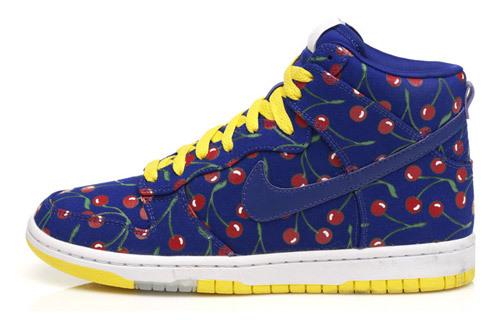 Вишневые Nike. Изображение № 1.