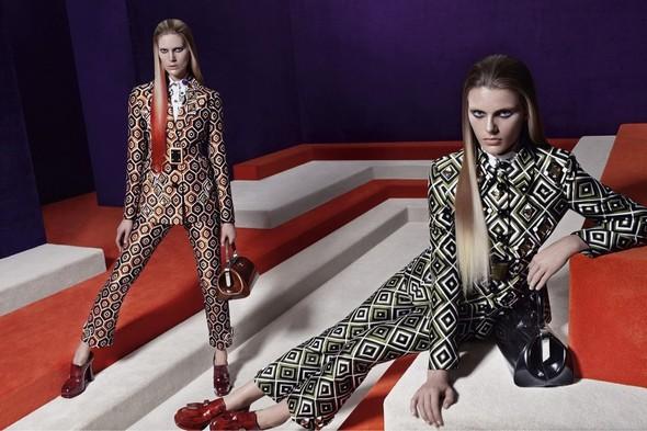 Превью кампаний: Prada, Louis Vuitton, Valentino и другие. Изображение № 2.