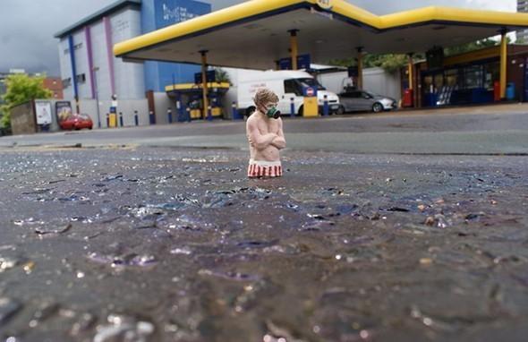 «Лето в Лондоне» Айзек Кордал (Isaac Cordal), 2010.. Изображение № 10.