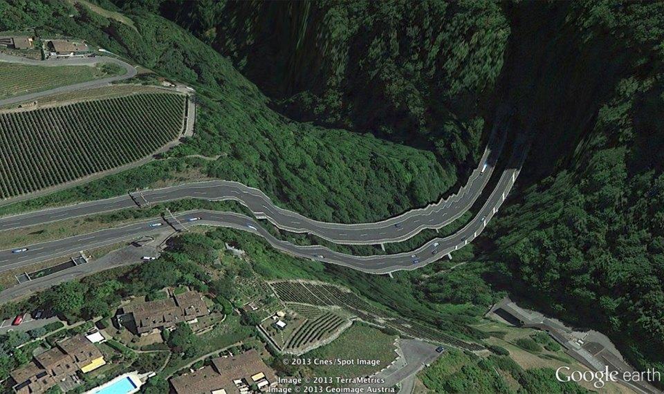 32 фотографии из Google Earth, противоречащие здравому смыслу. Изображение № 31.