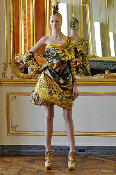 Последняя коллекция Alexander McQueen. Изображение № 3.