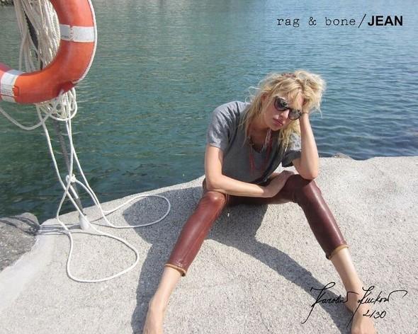 Кампания: Хелена Кристенсен сняла Каролину Куркову для Rag & Bone. Изображение № 2.