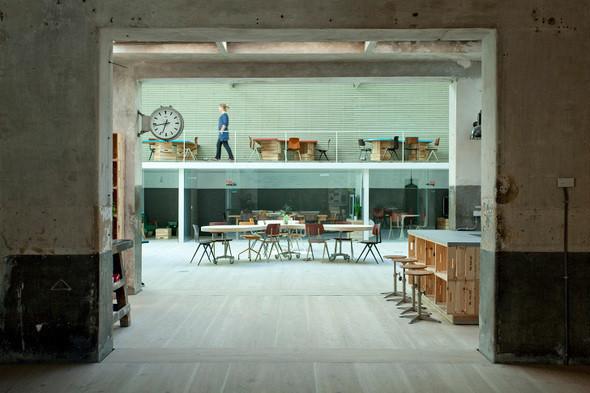 Изображение 41. Новая жизнь старых зданий.. Изображение № 40.