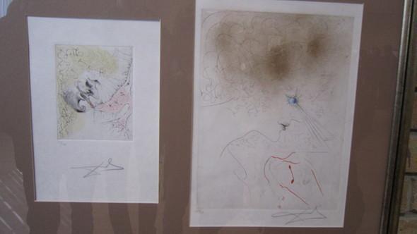 слева:Мужчина, целующий туфлю. Из серии «Венера в мехах». 1965  Бумага, сухая игла  справа:Женская голова. 1965  Гравюра, смешанная техника. Изображение № 8.