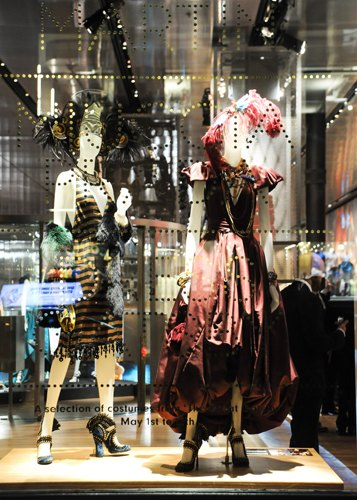 Chanel, Prada и Патрик Демаршелье открыли новые выставки. Изображение № 26.