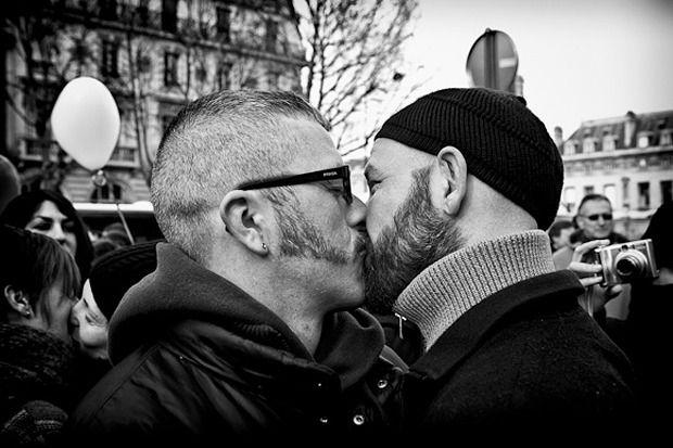 К лету во Франции разрешат однополые браки . Изображение № 1.