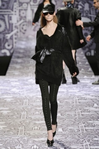 Back to black : Gareth Pugh и Victor&Rolf aw 2010-2011. Изображение № 55.