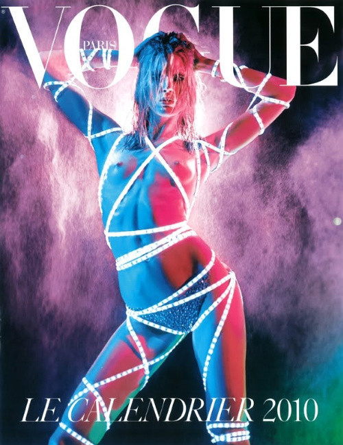Vogue Paris 2008-2009-2010 Calendar. Изображение № 28.