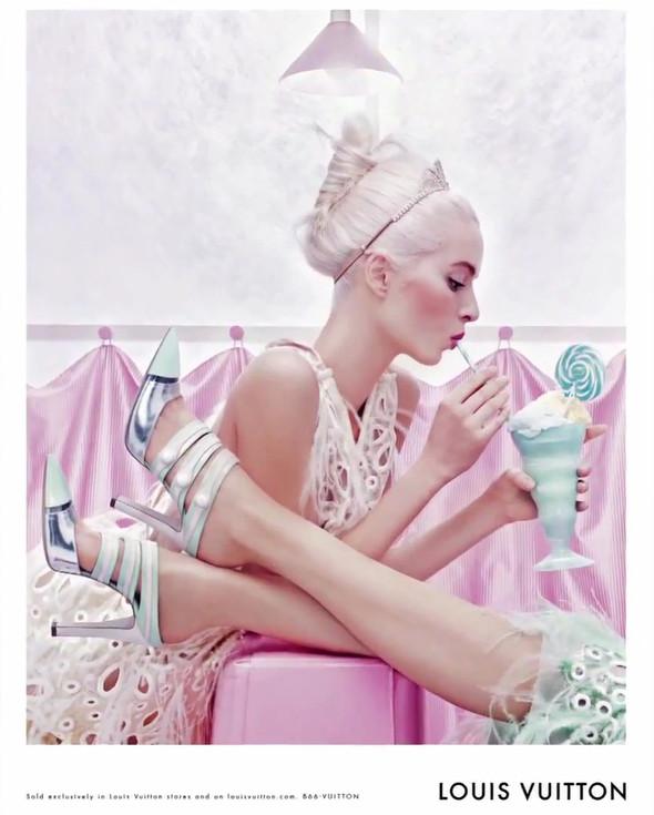 Кампания: Louis Vuitton SS 2012. Изображение № 6.