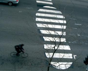 Roadsworth Дорогу велосипедистам!. Изображение № 1.
