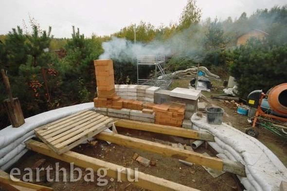 Проапокалиптический DIY - купол из мешков с землей - Earthbag building. Изображение № 1.