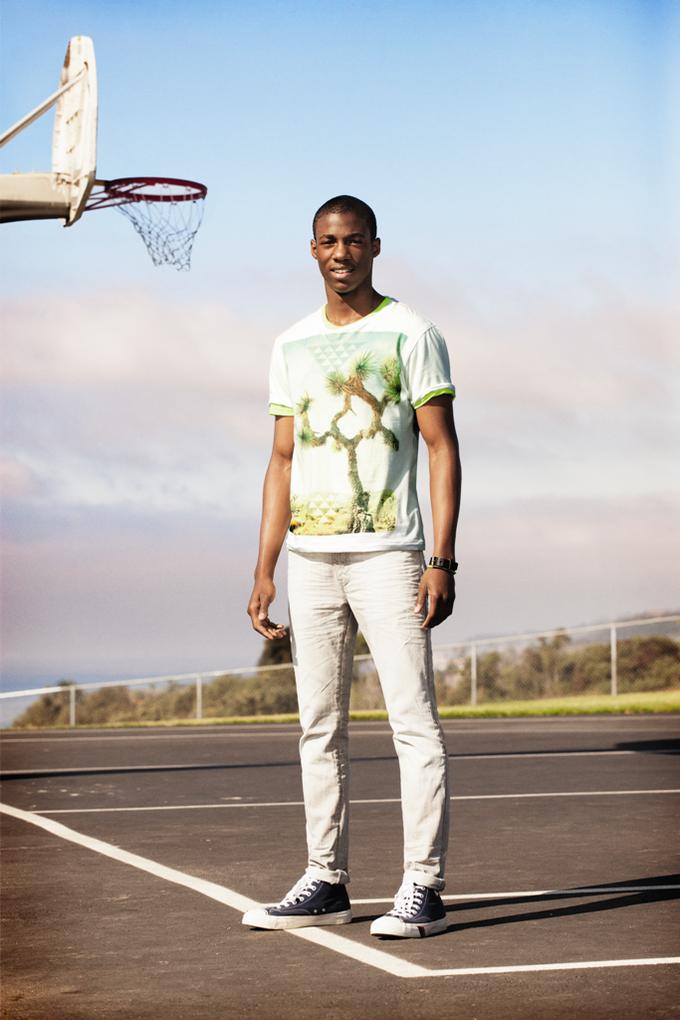 Chanel, Trends Brands и Urban Outfitters показали новые лукбуки. Изображение № 61.