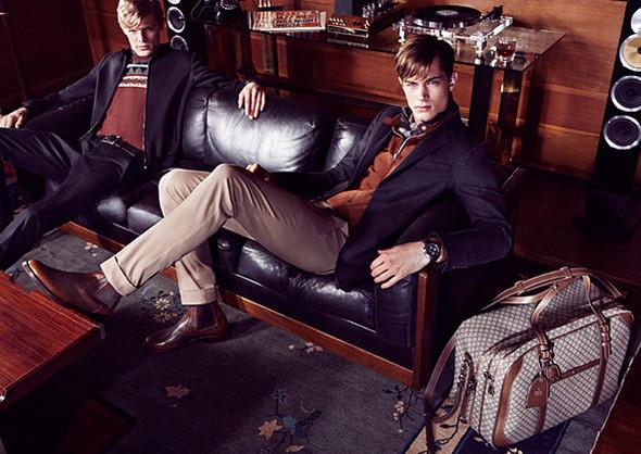 Кампании: Dior, Versace, Gucci и Burberry. Изображение № 28.