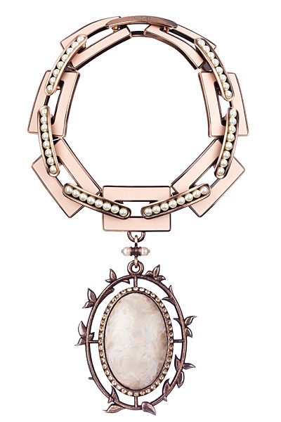 Лукбуки: Chanel, Marni и другие. Изображение №39.