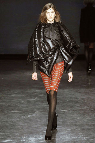Деконструктивизм в дизайне одежды. Изображение № 2.