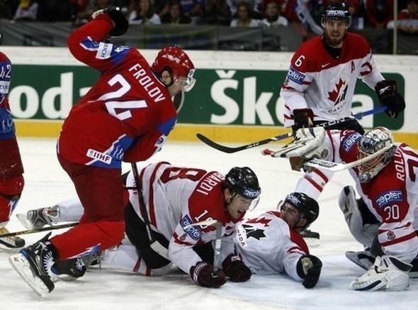 Сборная России похоккею вновь стала чемпионом мира. Изображение № 5.