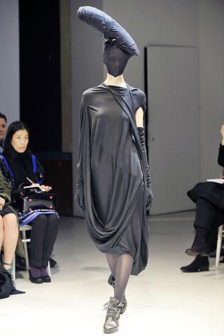 Деконструктивизм в дизайне одежды. Изображение № 8.