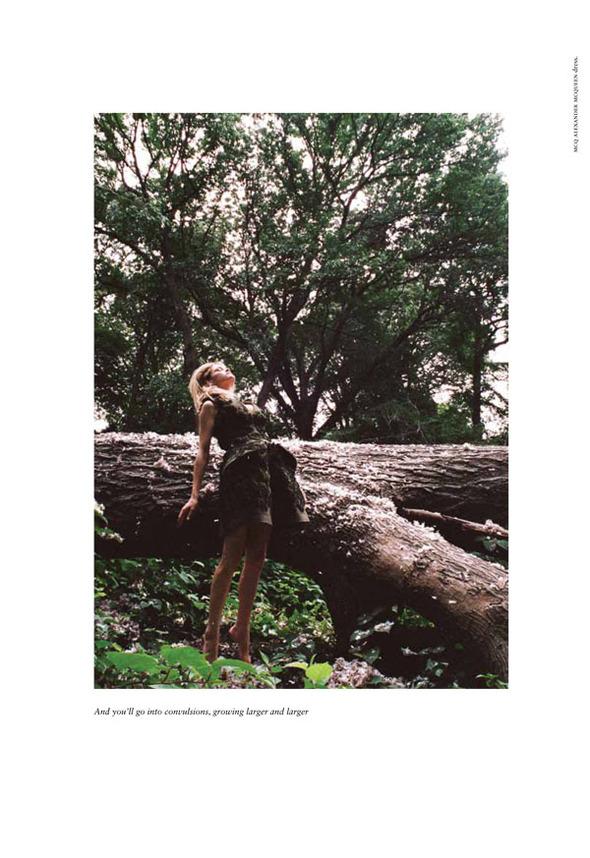 Стоп-кадр: Новые съемки Love, Russh, Vogue и V. Изображение № 52.