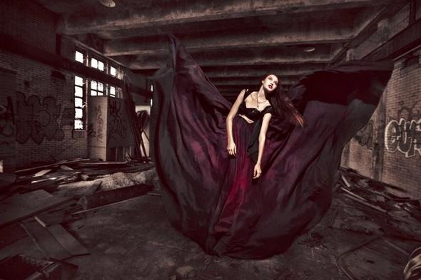 Dark glam Джулии Комита.. Изображение № 14.
