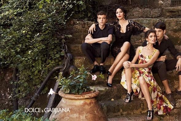 Превью кампании: Бьянка Балти и Моника Беллуччи для Dolce & Gabbana SS 2012. Изображение № 1.