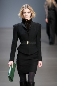 Valentin Yudashkin. Fall-Winter 2010-2011. Изображение № 9.