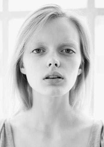 Новые лица: Элен Десметтр. Изображение № 29.