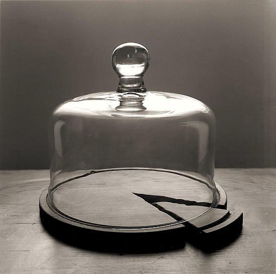 Черно-белые сюрреалистические фотографии Chema Madoz. Изображение № 24.