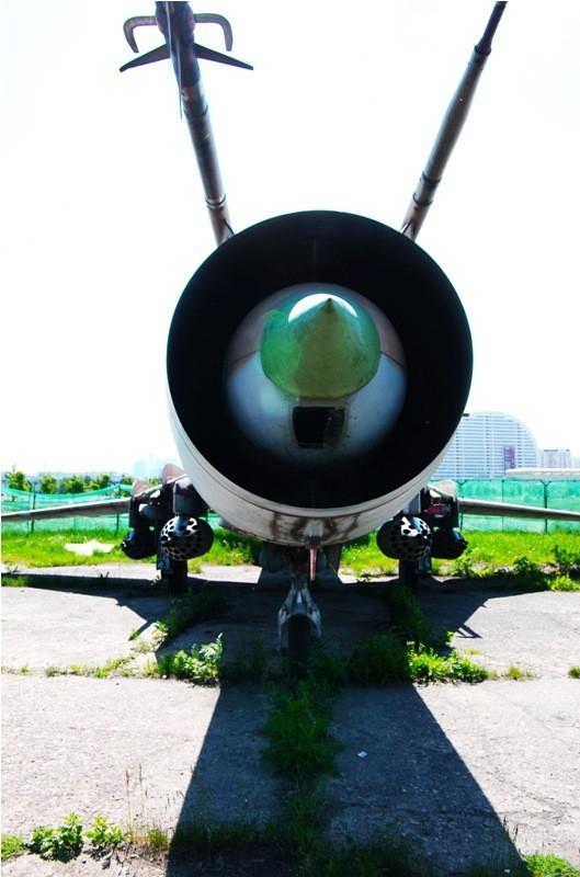 Сто рублей охраннику кладбища советской авиации. Изображение № 26.