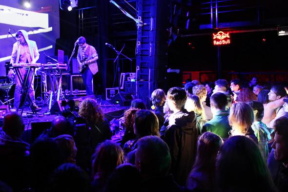 Шторм в Петербурге, выпускной и концерты с айпада: 10 молодых музыкантов на «Стереолете». Изображение № 17.
