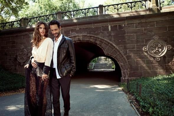 Съёмка: Alessandra Ambrosio & Rodrigo Santoro 4 Vogue Brazil Dec 2011. Изображение № 2.