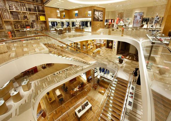 Новые магазины: Louis Vuitton в Риме, Chanel в Москве и Celine в Нью-Йорке. Изображение № 1.