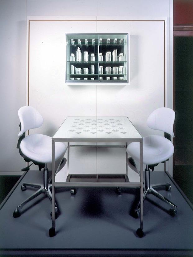 Шахматный набор Дэмиена Хёрста. Изображение №5.