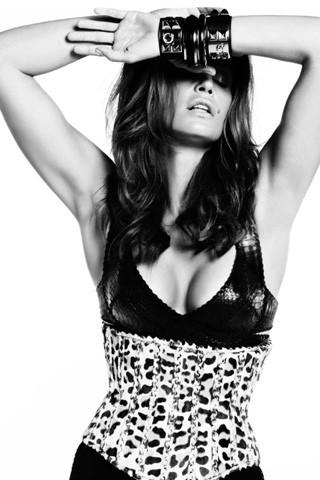 Cindy Crawford, Vogue Spain July 2009. Изображение № 6.