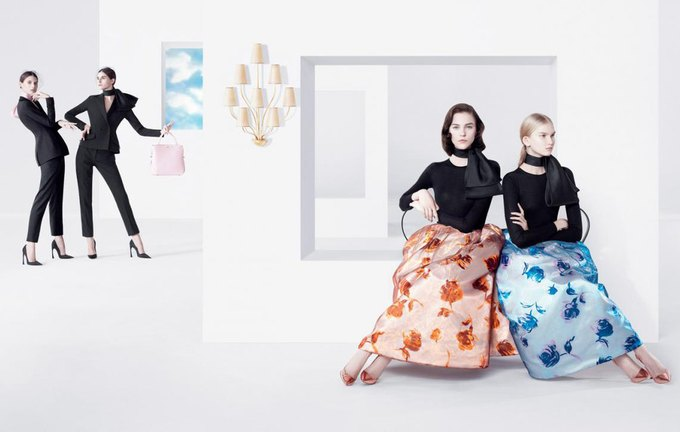 Раф Симонс выпустил весенне-летнюю рекламу Dior. Изображение № 1.