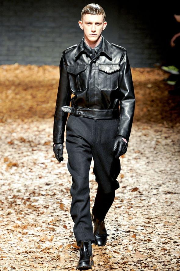 Лукбук McQ by A. McQueen F/W 2012-13, Женская и мужская коллекции. Изображение № 32.