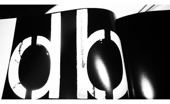 10 альбомов о современном Берлине: Бунт молодежи, панки и знаменитости. Изображение №142.