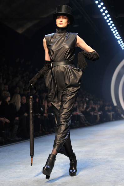 Jean Paul Gaultier for Hermes (fall-winter 2010). Изображение № 5.
