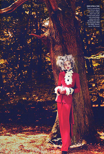 Into the Woods. Natalia Vodyanova. Vogue Sept-09. Изображение № 11.