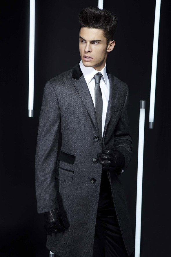 Изображение 35. Лукбуки: Bergdorf Goodman, Lagerfeld и Armani Exchange.. Изображение № 34.