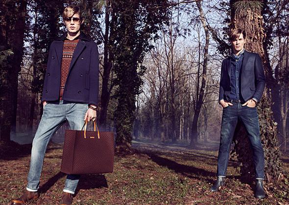 Кампании: Dior, Versace, Gucci и Burberry. Изображение № 30.