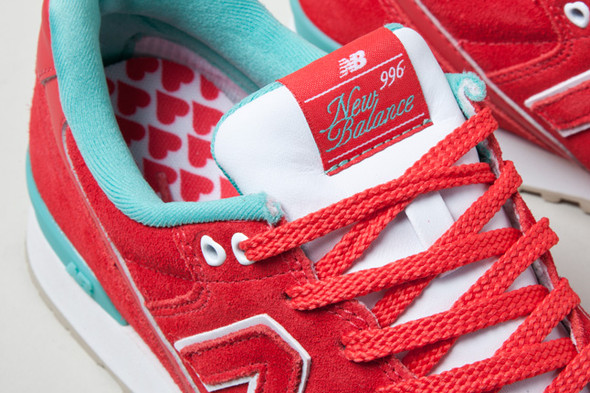 NEW BALANCE 996 HAPPY VALENTINES DAY. Изображение № 4.