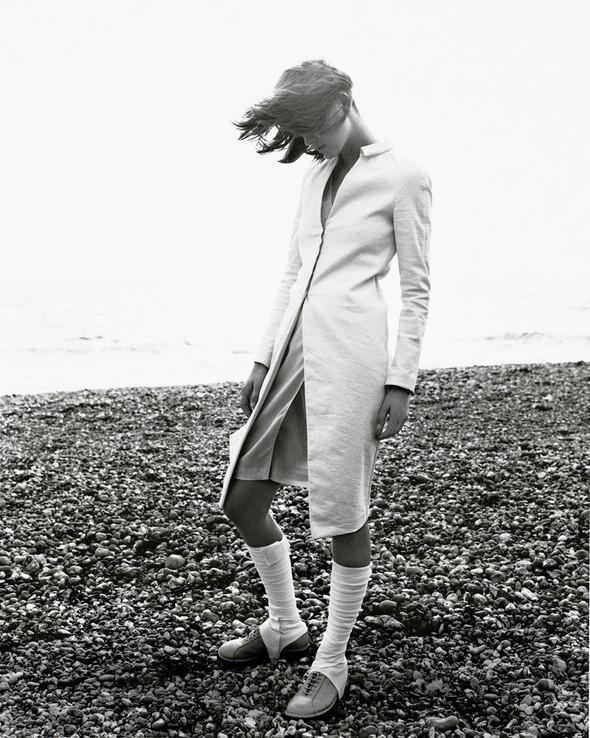 Архивная съёмка: Марио Тестино для Burberry SS 1999. Изображение № 3.
