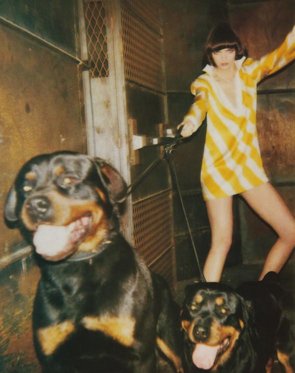 Архивная съёмка: Мариакарла Босконо для Jalouse, 2001. Изображение № 2.