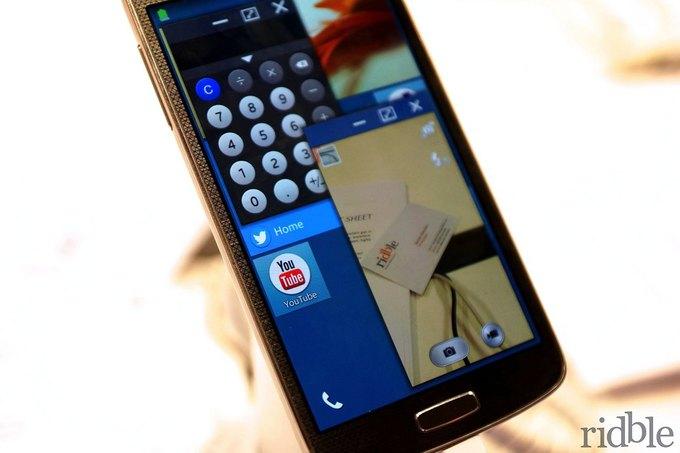 Смартфон Samsung на операционной системе Tizen на выставке Mobile World Congress 2014. Изображение № 3.